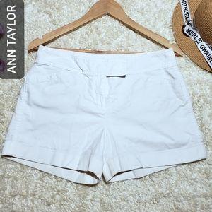 ANN TAYLOR Signature Shorts White Beige 8P